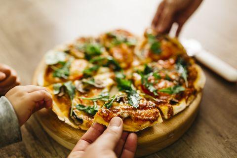 吃pizza減肥減掉45kg!義大利廚師靠這招成功瘦下來,搞清楚披薩種類與卡路里