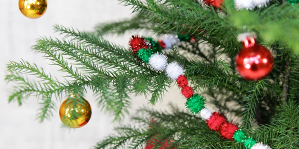 34 unique christmas tree decorations 2018 ideas for decorating your christmas tree - Green Christmas Tree Decorations