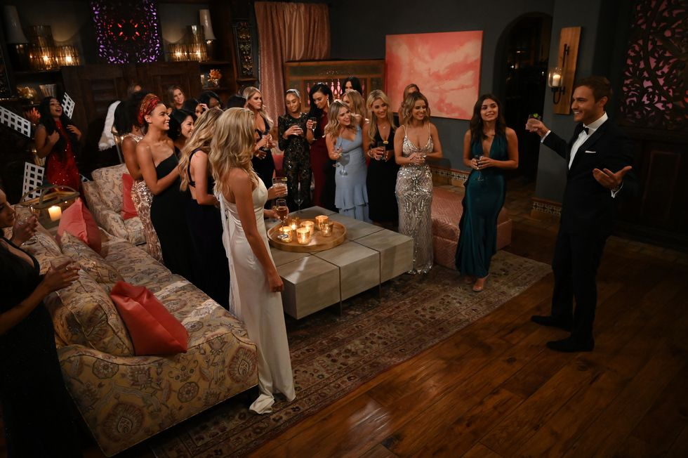 Do <em>The Bachelor</em> Contestants Actually Get Paid? thumbnail