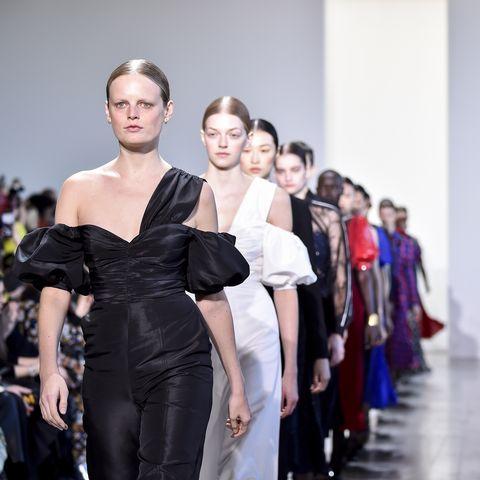 b4972a33ae258 London Fashion Week announces its first public shows