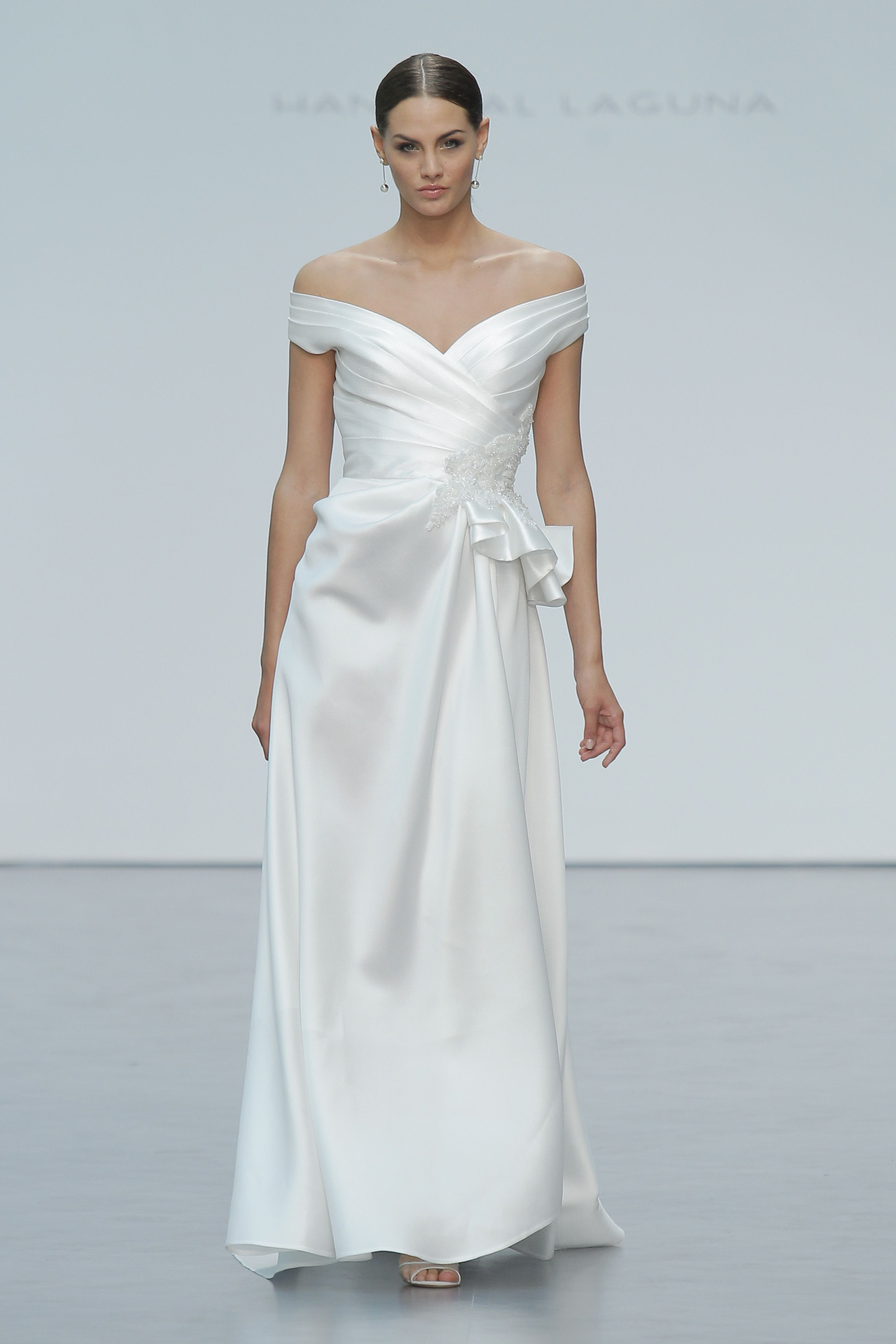 Hannibal Laguna presenta su nueva colección de vestidos de novia