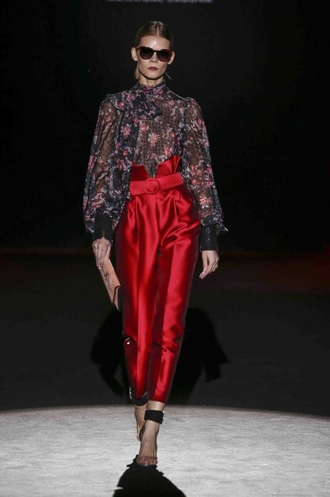 Fashion model, Fashion show, Runway, Fashion, Clothing, Fashion design, Public event, Event, Eyewear, Human,