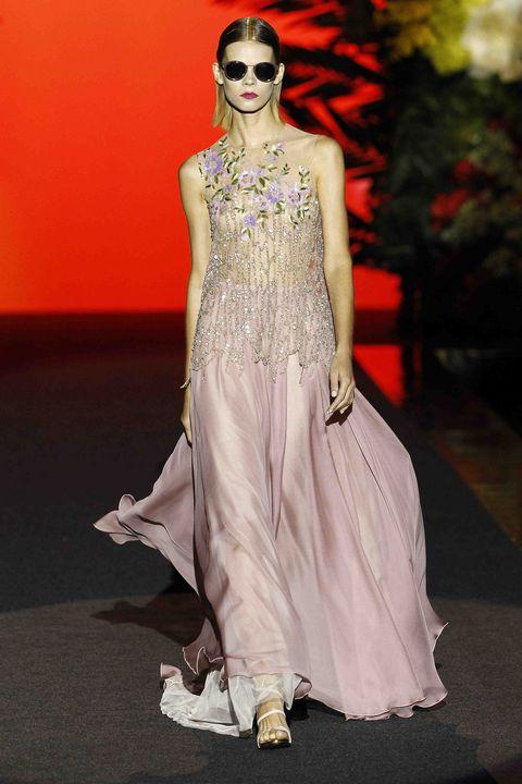 Fashion model, Fashion, Clothing, Fashion show, Haute couture, Dress, Runway, Fashion design, Formal wear, Gown,
