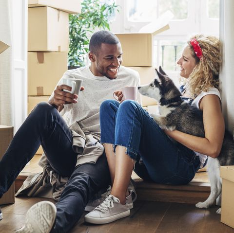 08b7bef568 8 Facts About Living Together - Should I Move In With My Girlfriend?
