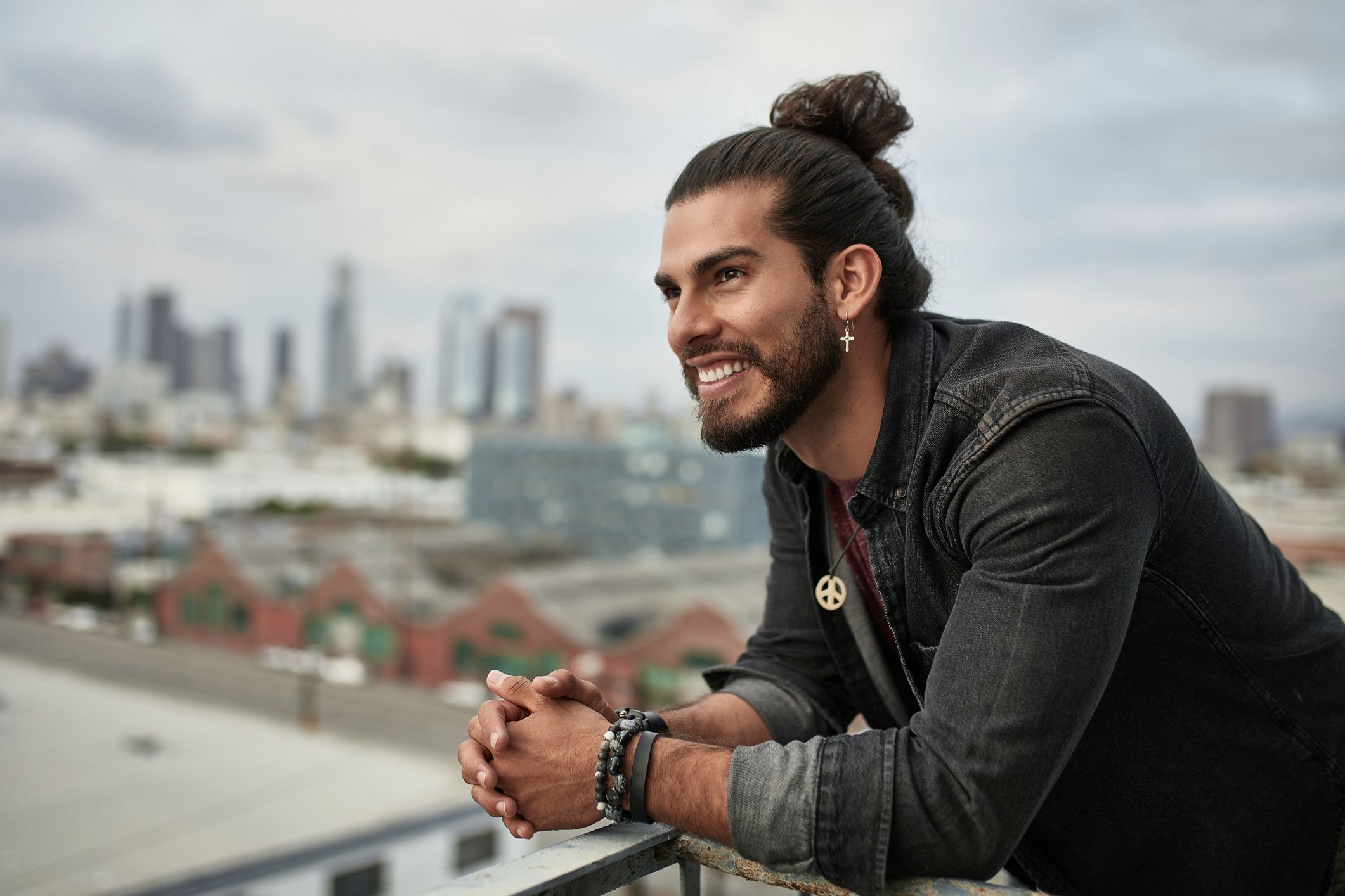 A Grooming Expert S Tips For Styling Long Hair Without Washing It