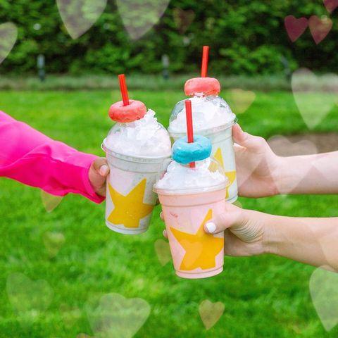 Frozen dessert, Product, Ice cream, Dairy, Soft Serve Ice Creams, Dessert, Play, Ice cream cone, Child,