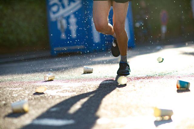 hardloopwedstrijd water drankpost