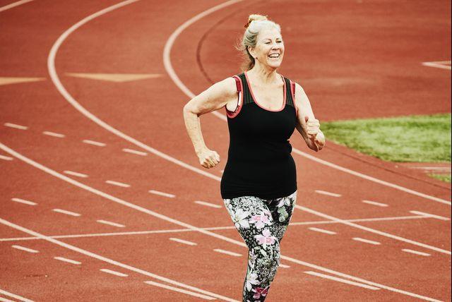 hardlopen oudere vrouw sterk blijven
