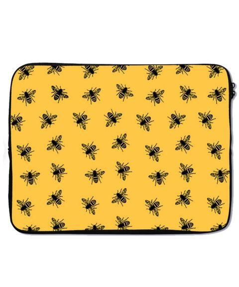 harpers and blake via etsy  laptophoes met bijen