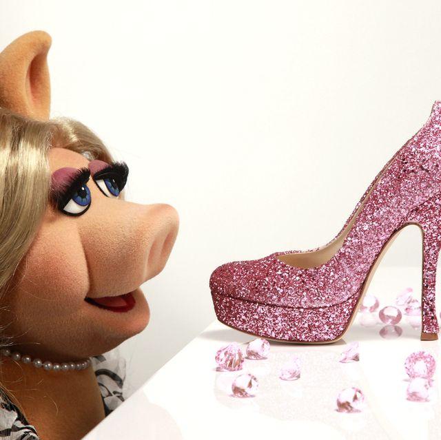 Footwear, High heels, Pink, Shoe, Beauty, Glitter, Leg, Fashion accessory, Human body, Dress,