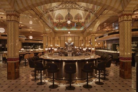 Interior design, Furniture, Room, Table, Building, Architecture, Restaurant, Function hall, Ceiling, Dining room,