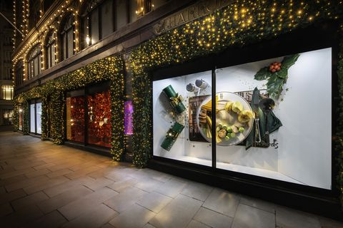 Christmas Window.Harrods Christmas Window Displays Harrods Unveils