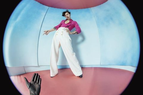Pink, Fashion, Photography, Fictional character, Trousers, Style, Games, Leggings, Illustration,