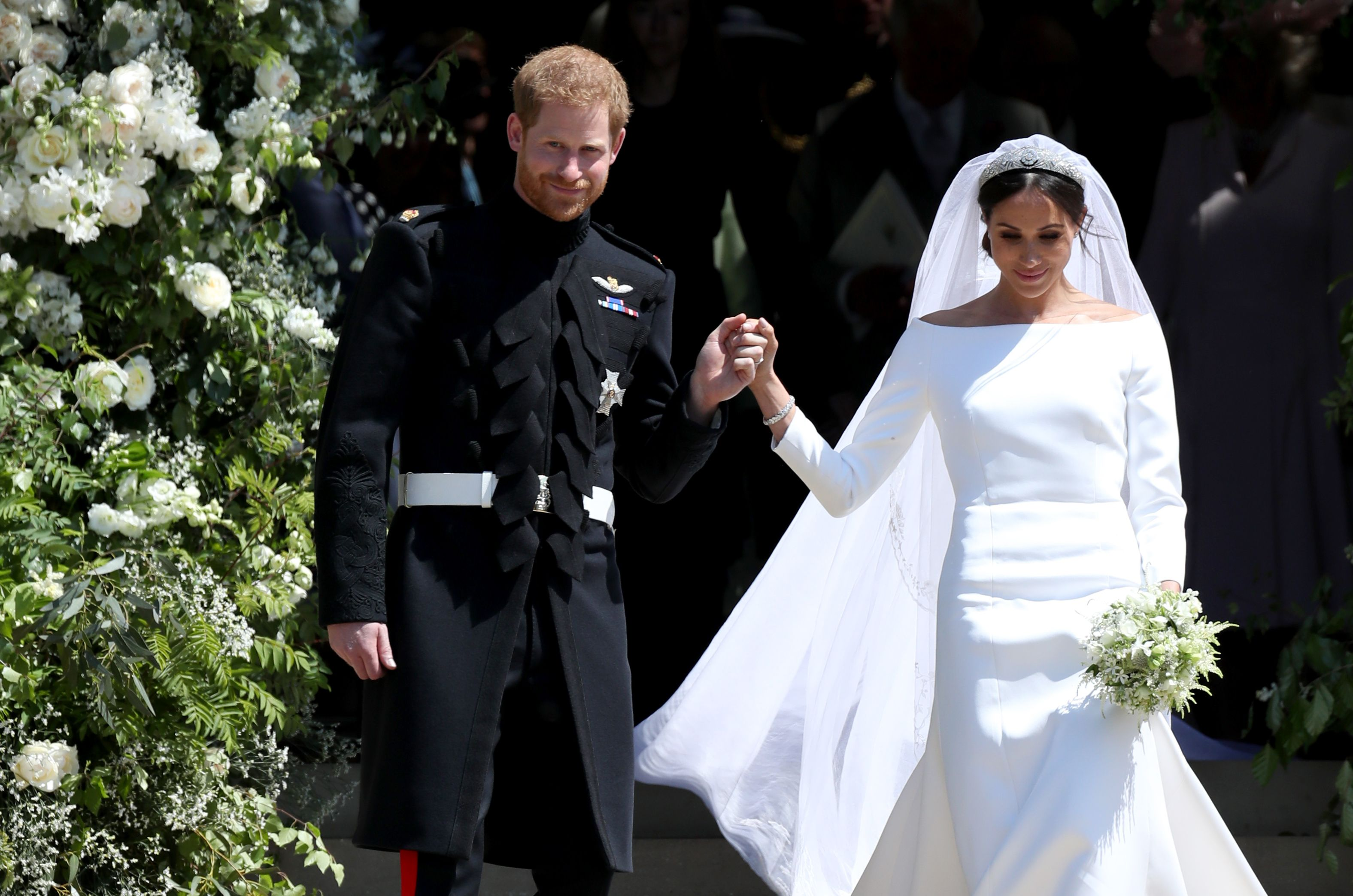 Meghan markles royal wedding flowers were given to a hospice izmirmasajfo