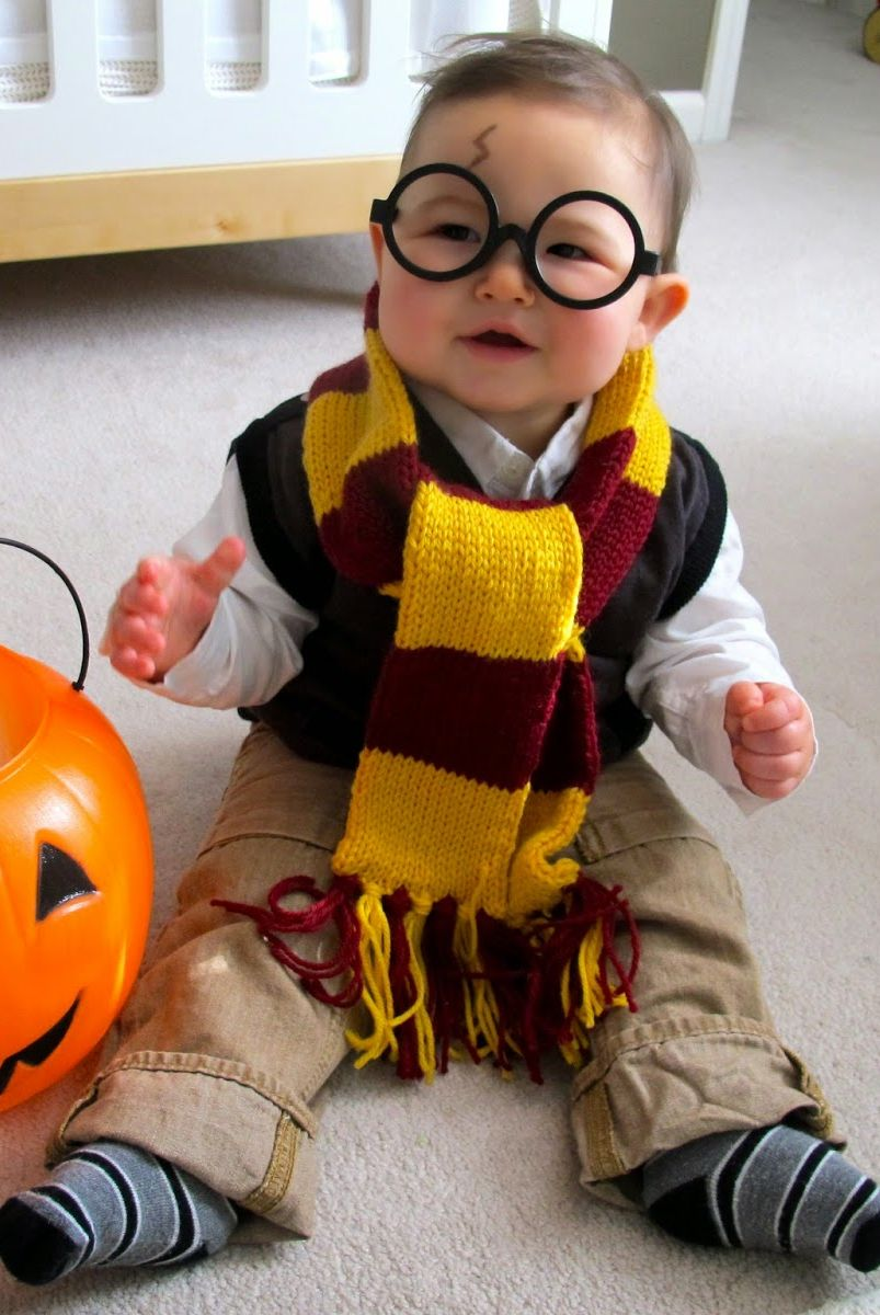 easy halloween costumes - baby harry potter