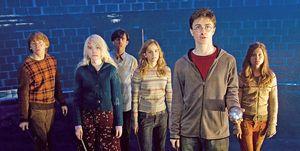 Rupert Grint, Evanna Lynch, Matthew Lewis, Emma Watson, Daniel Radcliffe y Bonnie Wright en 'Harry Potter y la Orden del Fenix'