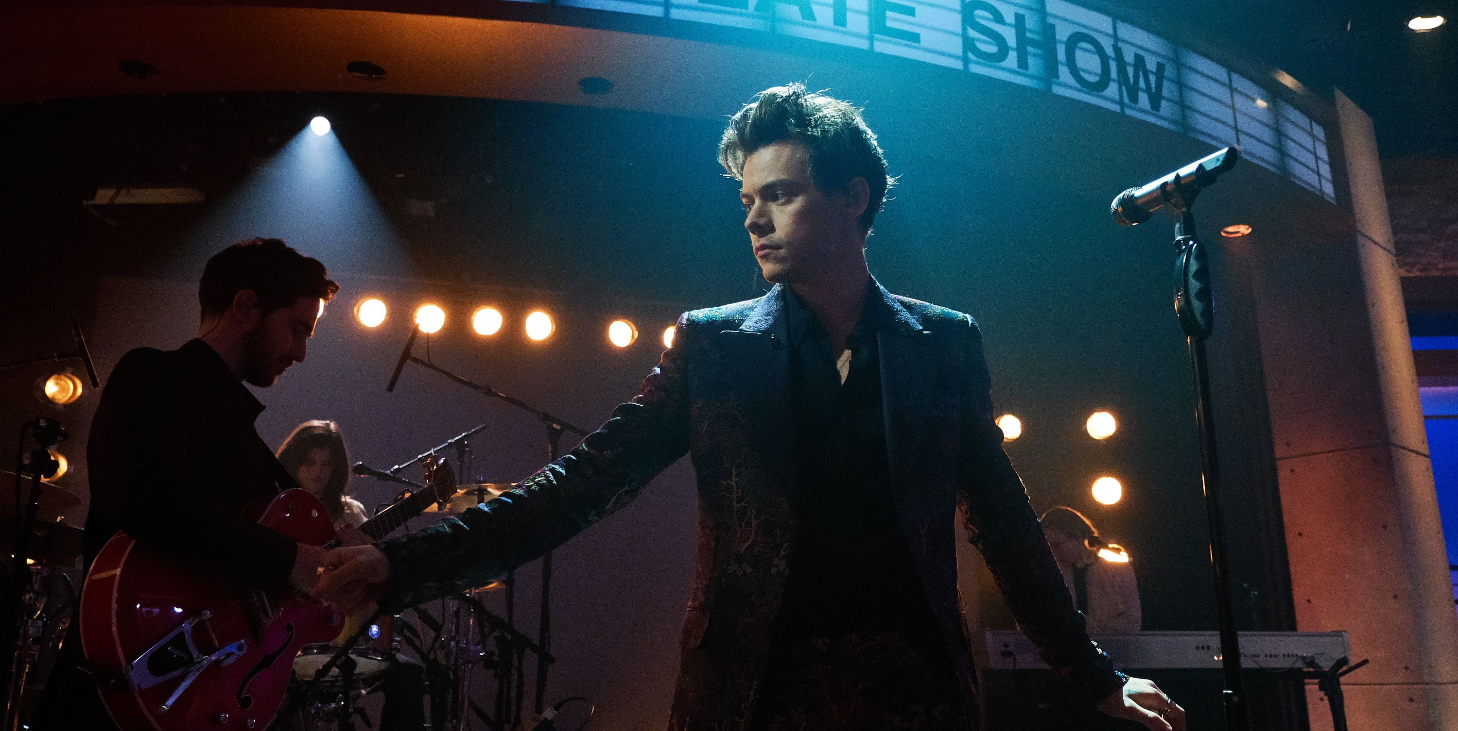 Harry Styles Fans Sent Condolences to the Singer After His Stepdad Passed Away