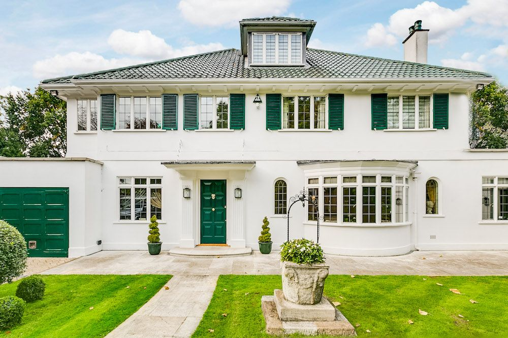 Flipboard Five Bedroom Riverside Villa With Swimming Pool For Sale In Chiswick