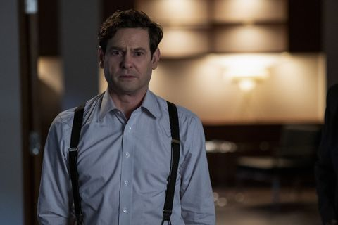 the haunting of bly manor l to r henry thomas as henry wingrave in the haunting of bly manor cr eike schroternetflix © 2020