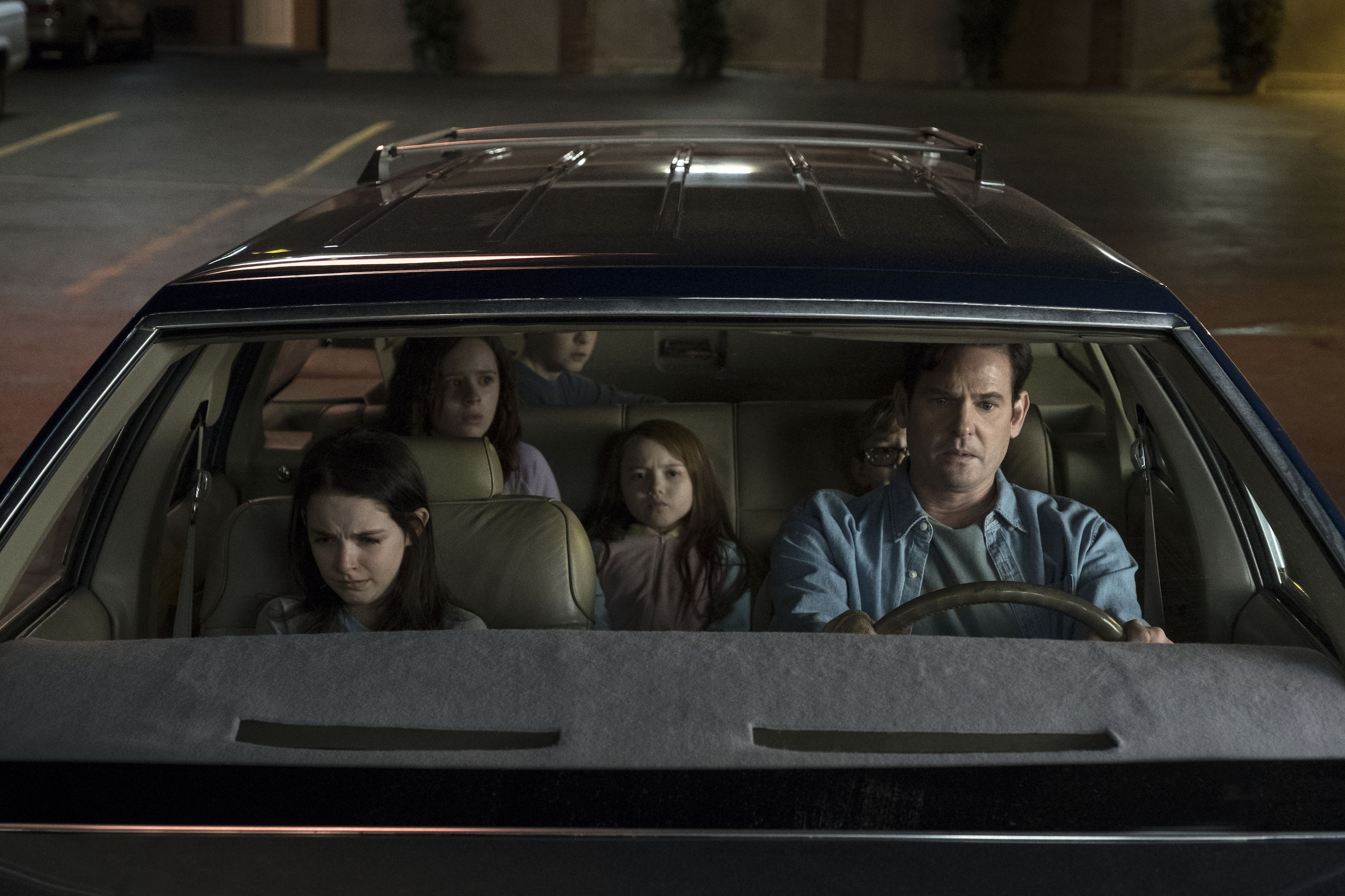 Everything We Know About Netflix S The Haunting Of Hill House