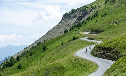 Mountainous landforms, Highland, Mountain, Natural landscape, Mountain pass, Green, Hill, Hill station, Road, Grassland,