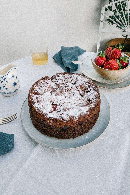 Bake a delicious strawberry and elderflower tea cake