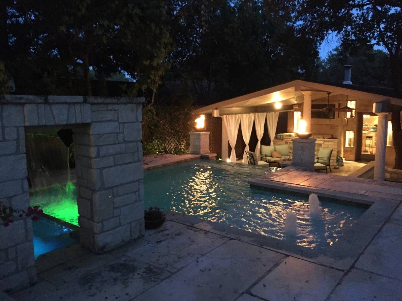 airbnb with pool chicago il