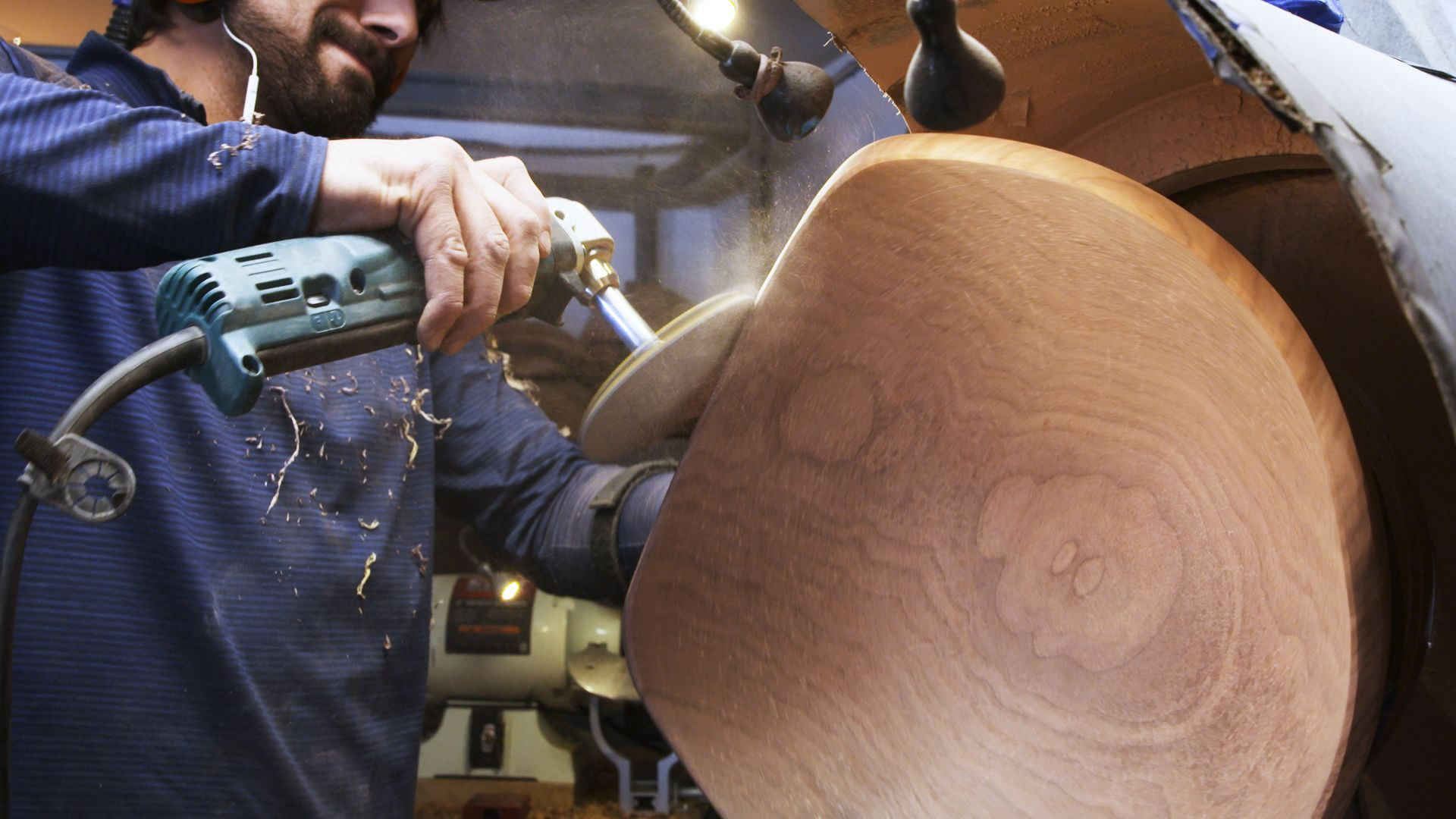 Andrew Pearce Makes Gorgeous Live Edge Wooden Bowls Wood