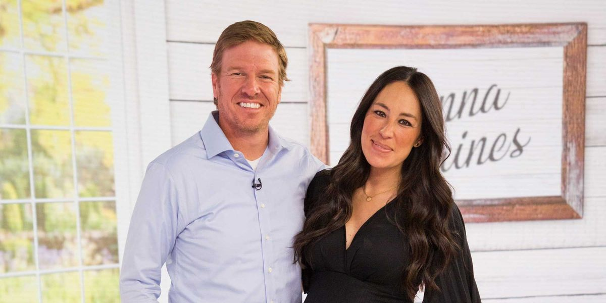 what is chip and joanna gaines 39 s net worth. Black Bedroom Furniture Sets. Home Design Ideas