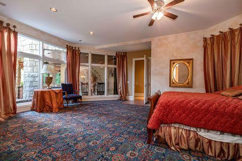 Room, Property, Ceiling, Furniture, Bedroom, Interior design, Building, Floor, Real estate, Home,