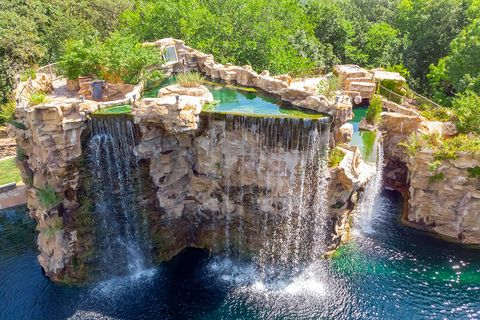 Water resources, Water, Nature, Waterfall, Natural landscape, Nature reserve, Formation, Watercourse, Rock, Water feature,
