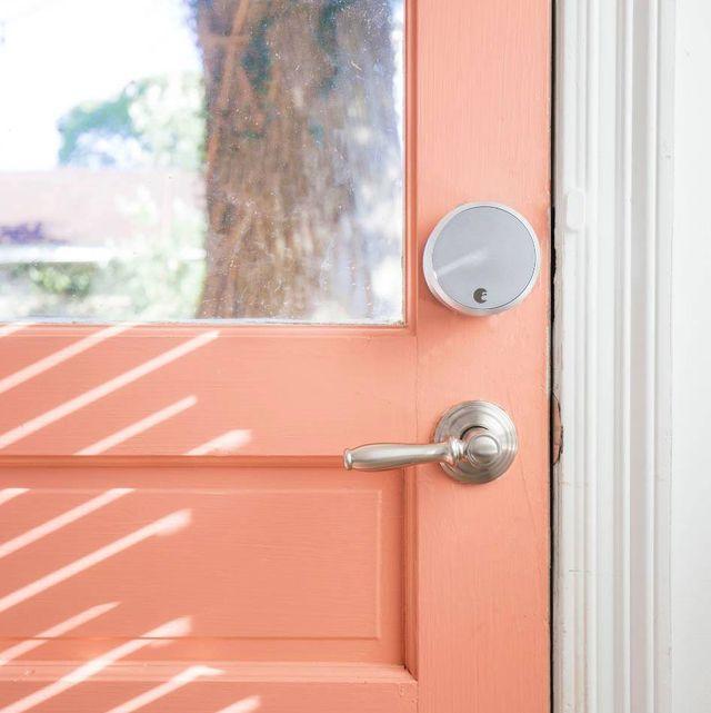 Door handle, Door, Wall, Lock, Home door, Wood, Architecture, Window, Latch,