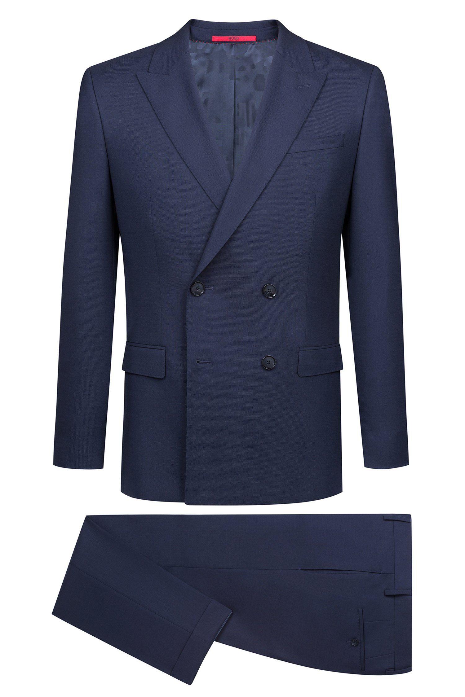 traje azul cruzado