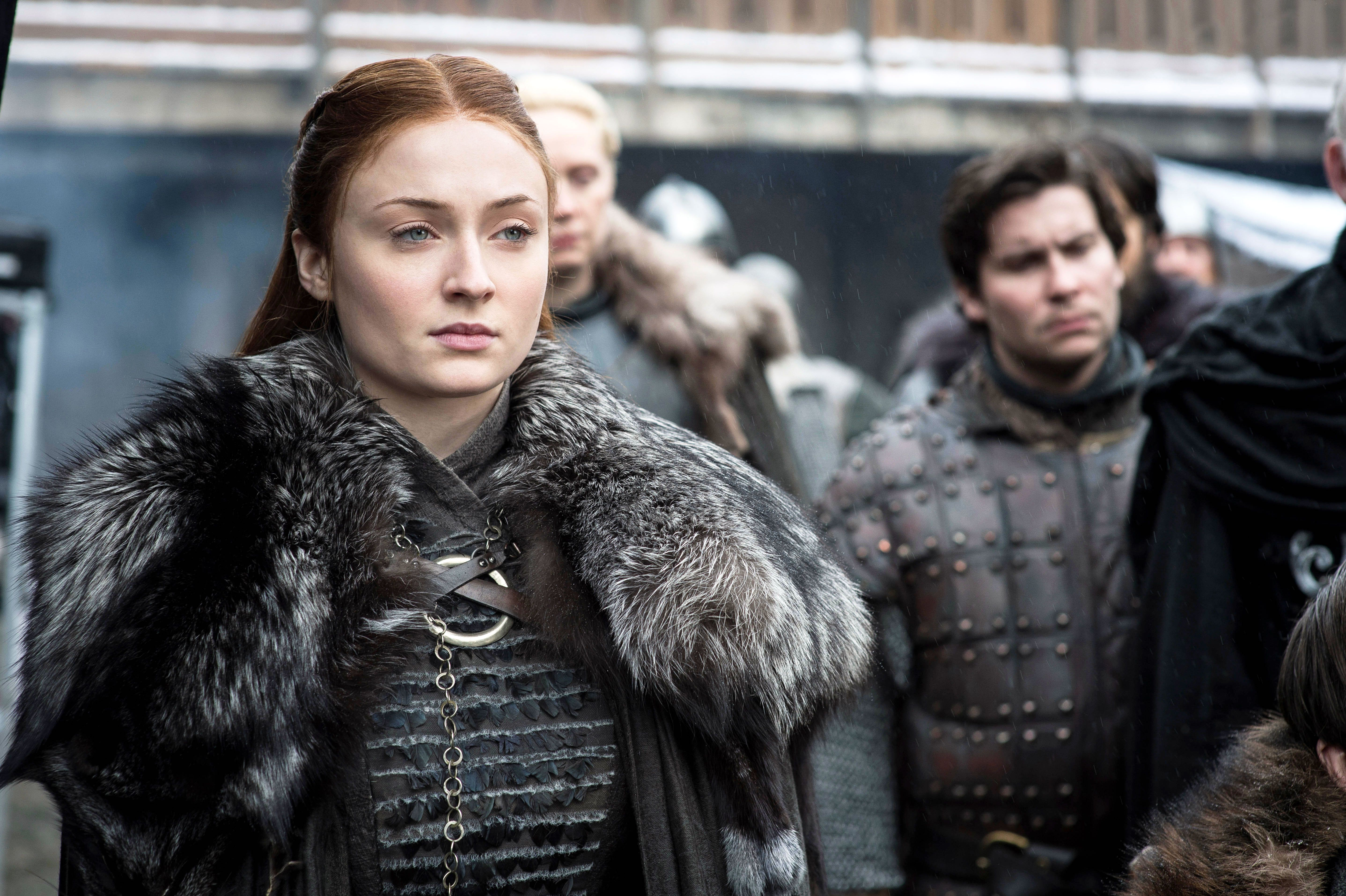 How to Dress Like Starbucks Sansa Stark This Halloween