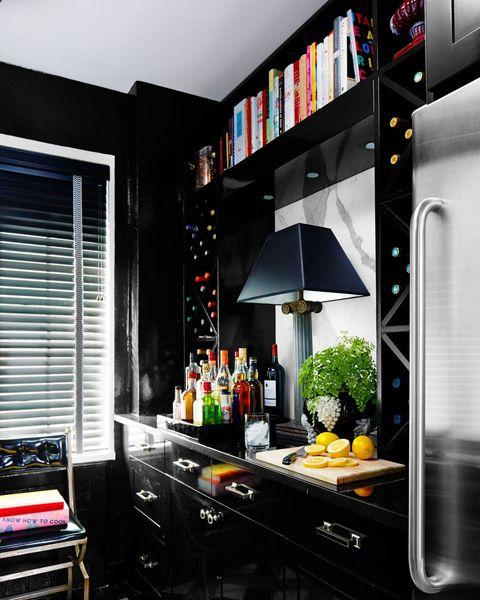 Kitchen Paint App: Black Cabinet And Backsplash Ideas