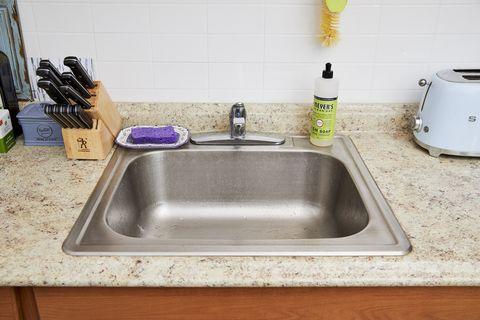 Sink, Kitchen sink, Countertop, Plumbing fixture, Bathroom sink, Tap, Room, Drain, Kitchen, Plumbing,