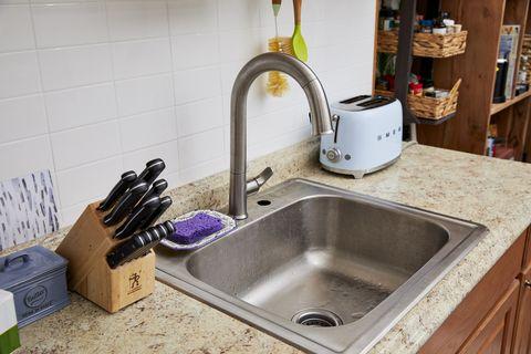 Sink, Kitchen sink, Countertop, Tap, Property, Plumbing fixture, Room, Kitchen, Bathroom sink, Drain,