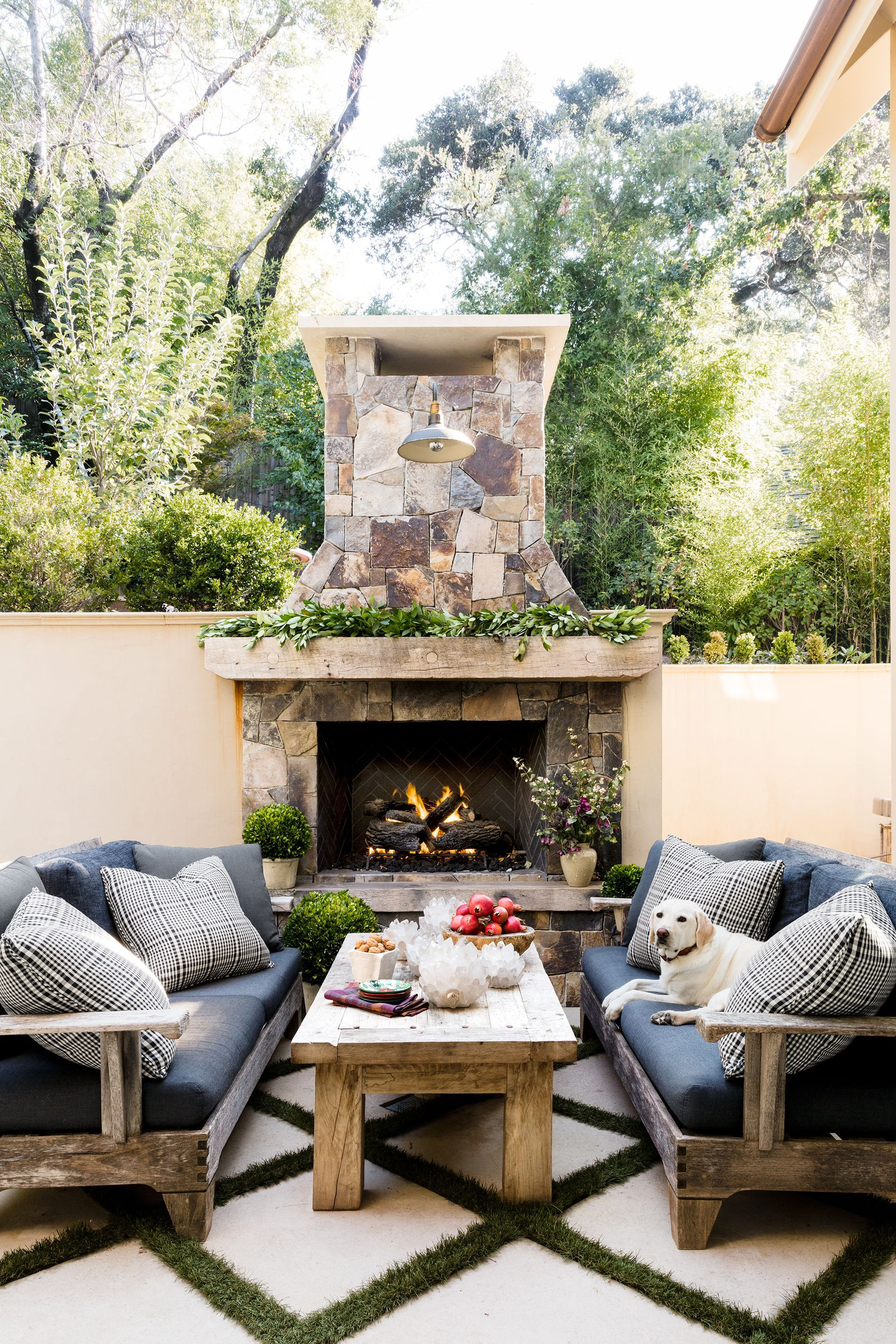 Image of: 25 Outdoor Fireplace Ideas Outdoor Fireplaces Fire Pits