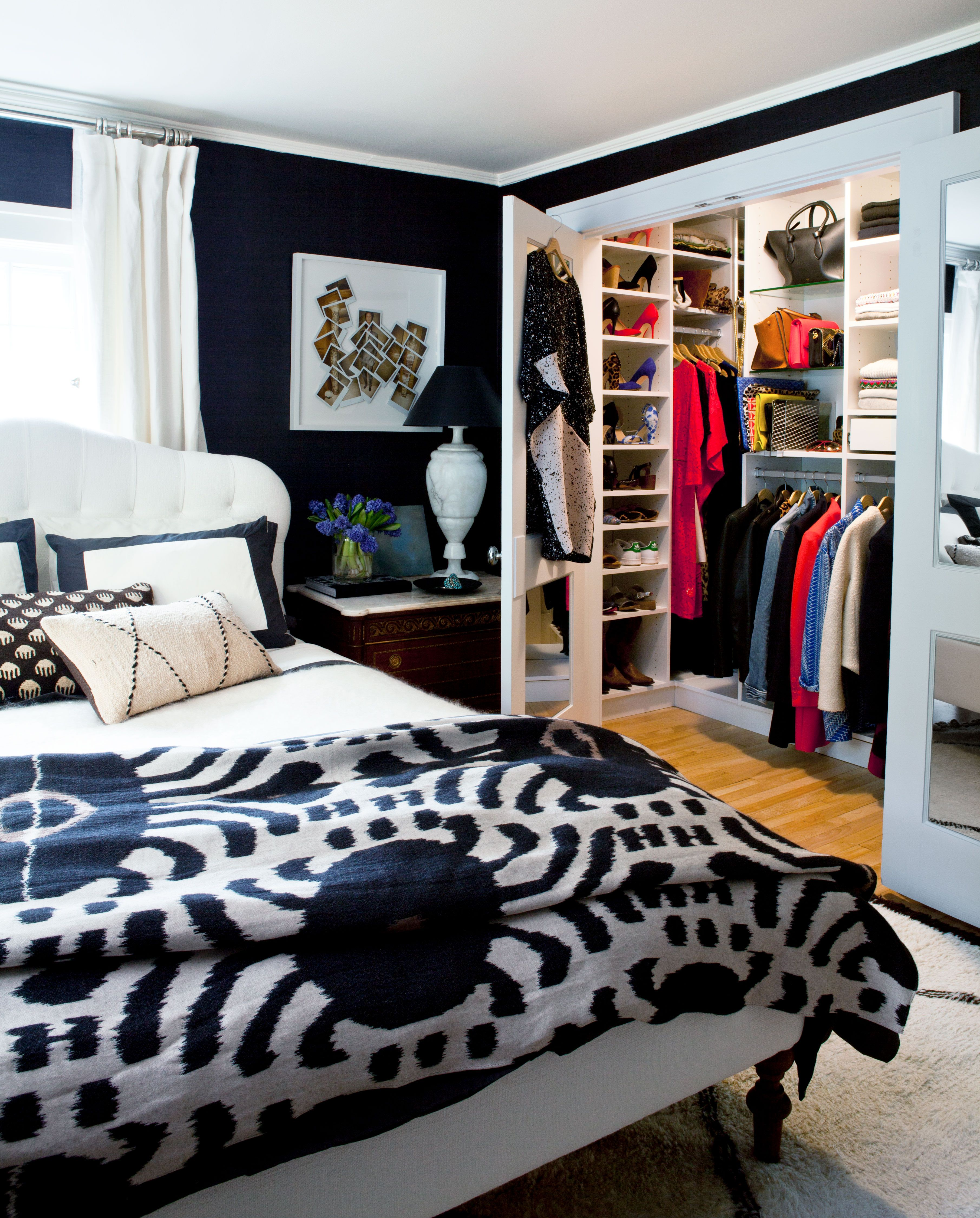 9 Stylish Black Bedroom Ideas - How to Decorate a Black Bedroom