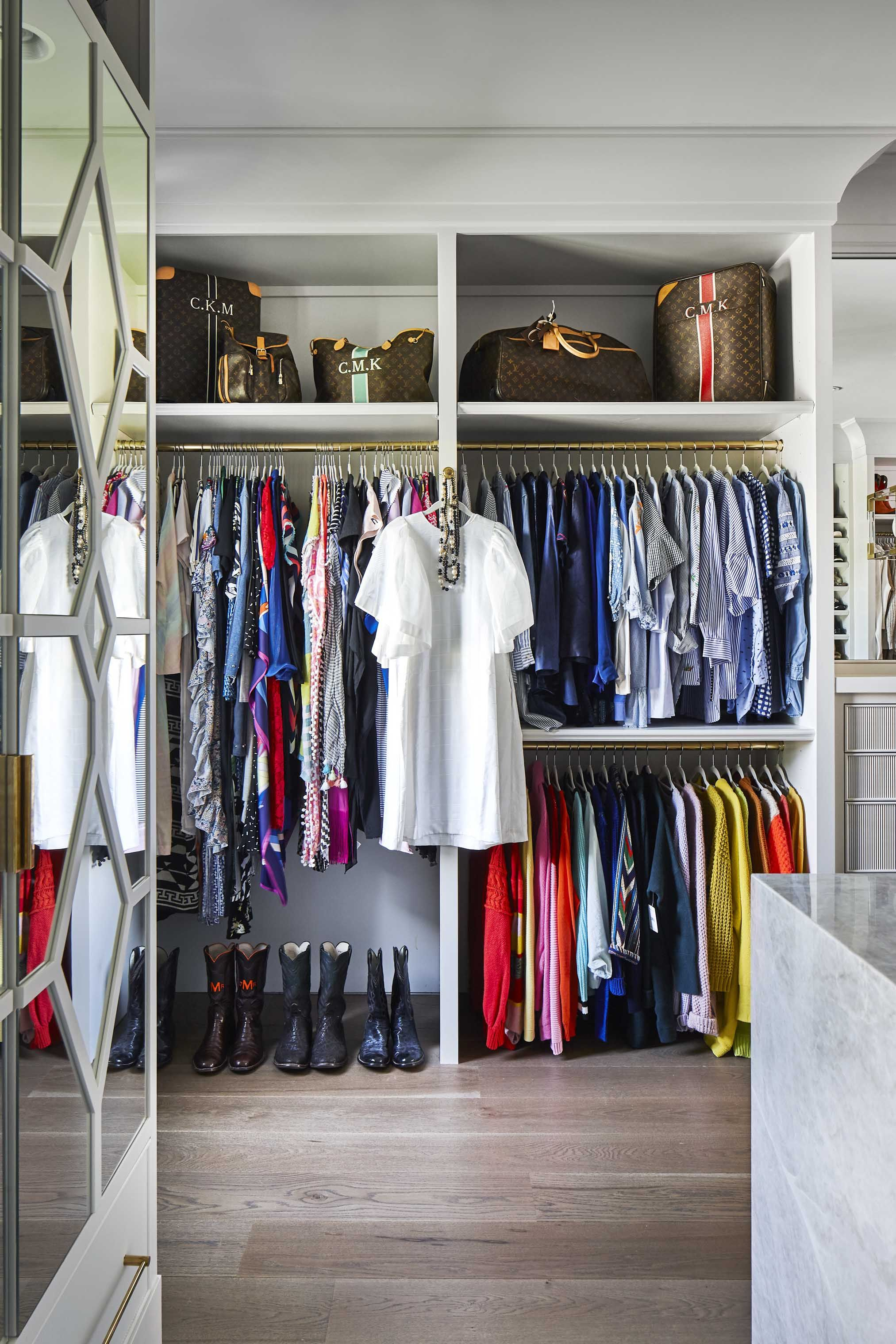 25 Best Walk In Closet Storage Ideas And Designs For Master