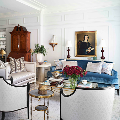 Room, Living room, Interior design, Furniture, Property, Building, Ceiling, Table, Home, Floor,