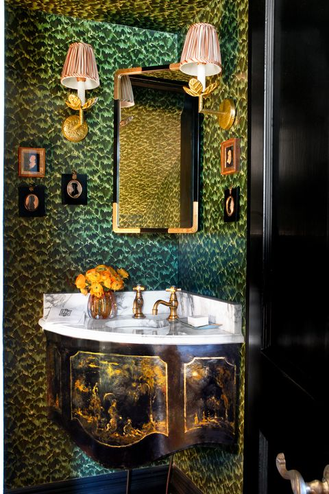 Phenomenal 28 Bathroom Wallpaper Ideas That Will Inspire You To Be Bold Interior Design Ideas Oteneahmetsinanyavuzinfo