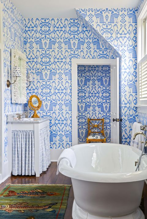 Room, Bathroom, Blue, Tile, Wall, Wallpaper, Property, Interior design, Floor, Curtain,