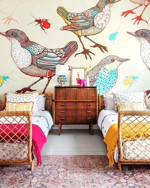 Room, Chicken, Wall, Rooster, Wallpaper, Interior design, Bird, Galliformes, Furniture, Design,