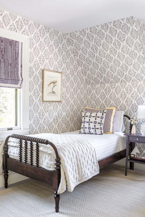 Bedroom, Furniture, Bed, Room, Bed frame, Wall, Interior design, Bed sheet, Wallpaper, Design,