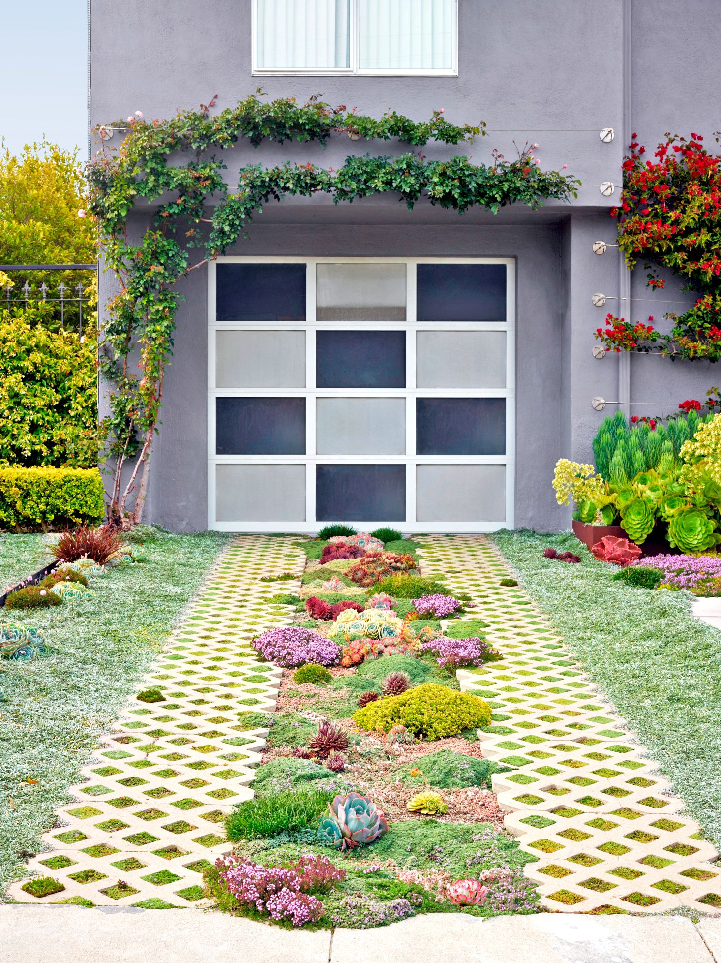 16 Ways to Make Your Driveway Exponentially More Attractive