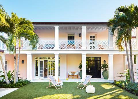 Tour A Pink And Green Palm Beach Oasis Caroline Rafferty