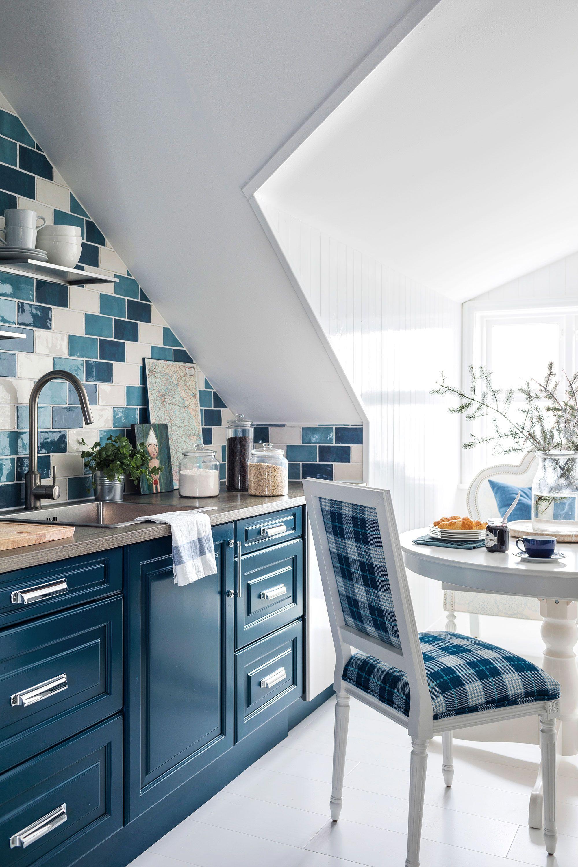 16 Dreamy Attic Rooms Sloped Ceiling Design Ideas
