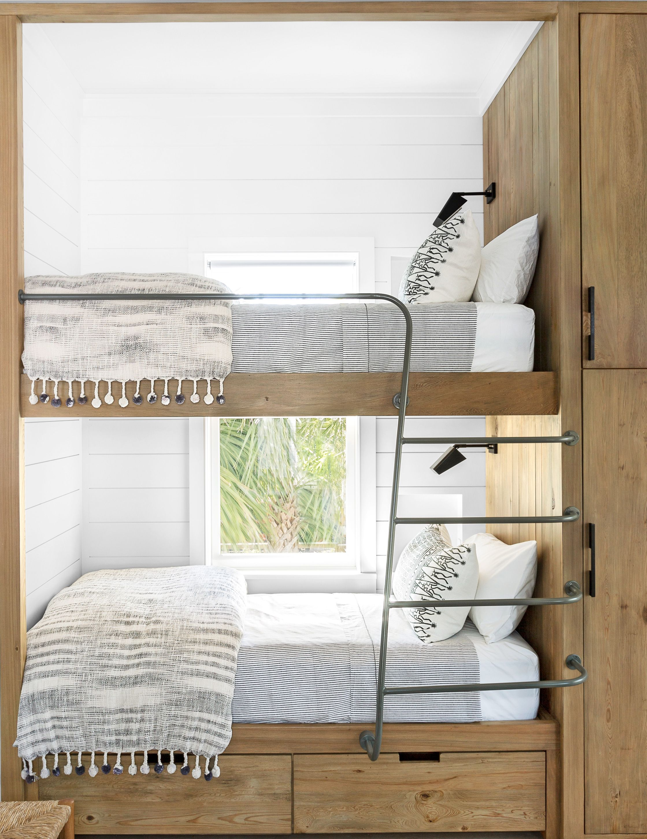 House Beautiful & 16 Cool Bunk Beds - Bunk Bed Designs - Stylish Bunk Room Ideas for ...