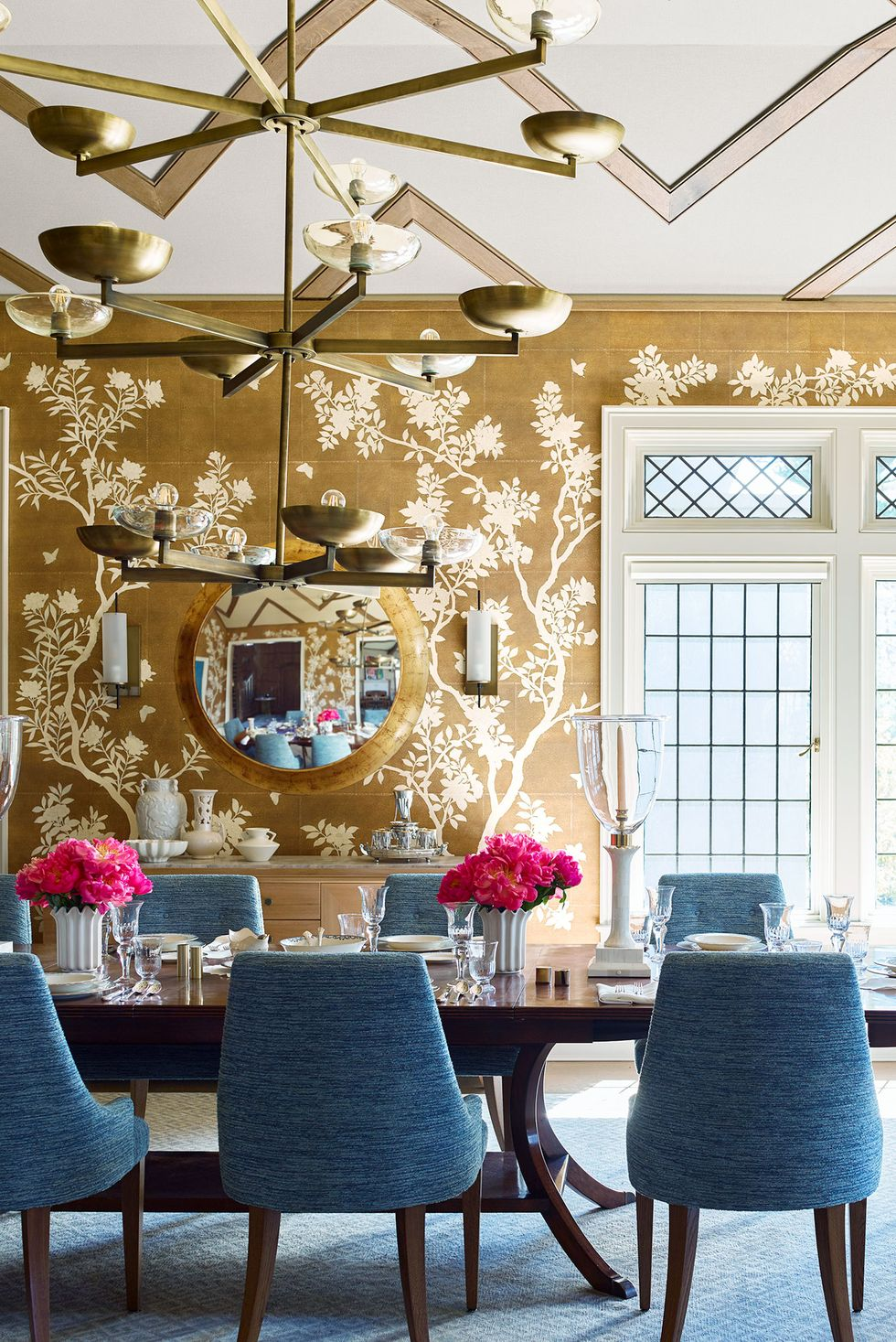 Decorate-Your-Dining-Table